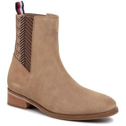 Sztyblety TOMMY HILFIGER - Th Monogram Flat Boot FW0FW04581 Tiger's Eye BRW