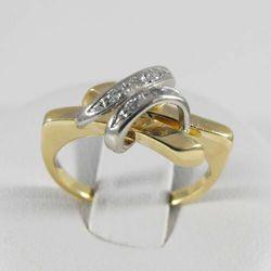 Złoty pierścionek z diamentem P1456