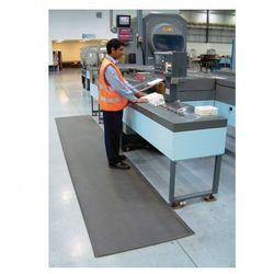 Mata piankowa z utwardzaną powierzchnią PVC, szerokość 60 cm, rolka 18,3 m