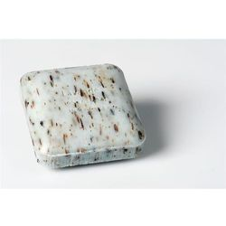 Mydło peelingujące z drobinkami roślin LAVANDE (Lawenda)