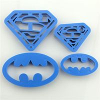 Pozostałe akcesoria i przyrządy kuchenne, PLASTIKOWE FOREMKI WYKRAWACZE 4szt BATMAN SUPERMEN
