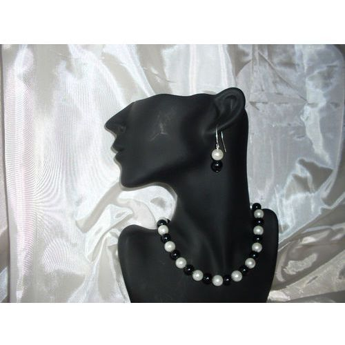 Kolczyki, K-00007 Kolczyki z perełek szklanych białych i czarnych rabat 25%