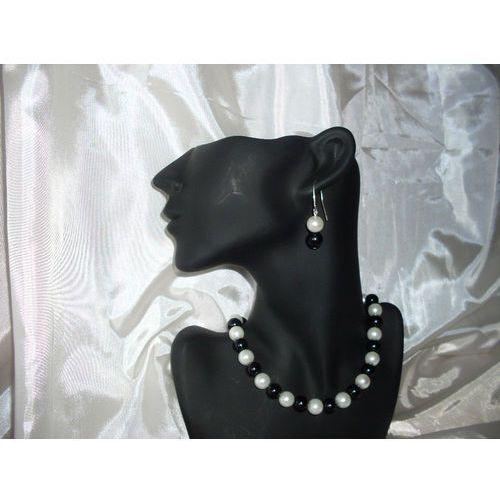 Kolczyki, K-00007 Kolczyki z perełek szklanych białych i czarnych