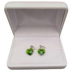 Kolczyki srebrne z zielonym kryształem w kształcie serca o długości 3 cm SKK15