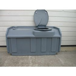 Zbiornik toalety kabinowej