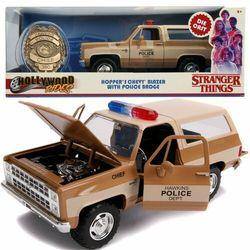 Jada Stranger Things metalowy pojazd wóz policyjny Chevrolet Hoppera + odznaka