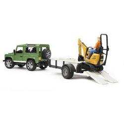 Land Rover z lawetą, minikoparka JCB i figurką Bruder 02593